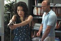 Im Visier von Polizei und skrupellosen Menschenhändlern: Lai (Qi Shu, l.) und Frank (Jason Statham, r.) ...