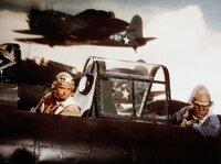 ARD SCHLACHT UM MIDWAY (midway), USA 1975, Regie Jack Smight, am Samstag (25.06.11) um 02:20 Uhr im Ersten. Captain Garth (Charlton Heston, li.) bei seinem letzten Lufteinsatz.