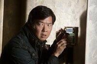Ist immer für eine Überraschung gut: Schlitzohr Leslie Chow (Ken Jeong) ...