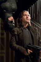 Keine gute Zeit für Schurken: Batman (Christian Bale, l.) räumt auf ...