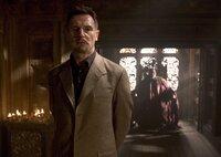 Spielt gekonnt ein doppeltes Spiel: Ra's Al Ghul (Liam Neeson) ...