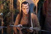 Elrond (Hugo Weaving) verhilft den Abenteurern zur Flucht nach Bruchtal.