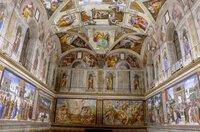 Fresken von begnadeten Künstlern wie Botticelli, Perugino und Michelangelo schmücken die Sixtinische Kapelle im Vatikan.