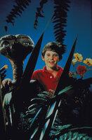 Elliott (Henry Thomas, r.) hat viel Spaß mit seinem neuen Außerirdischen Freund E.T. (l.) ...