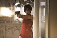 Spionin Ada Wong (Bingbing Li) gerät in die Hände ihrer Erzfeinde ...