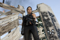 """Rain (Michelle Rodriguez) ist ein ziemlich """"toughes Mädchen"""", dass sich nicht in Bockshorn jagen lässt ..."""