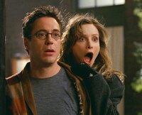 Ally (Calista Flockhart) und Larry (Robert Downey Jr.) beobachten etwas, was sie nicht hätten sehen dürfen...