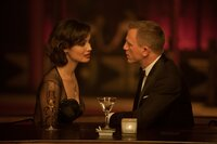 Welche Geheimnisse verbirgt Sévérine (Bérènice Marlohe) vor Bond (Daniel Craig)?