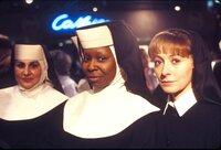 (v.l.n.r.) Mary Patrick (Kathy Najimy); Deloris (Whoopi Goldberg); Mary Robert (Wendy Makkena)