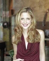 S6.  Sarah Michelle Gellar as Buffy Summers in BUFFY THE VAMPIRE SLAYER.