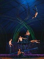 "Szene aus dem Programm Amaluna des Entertainment-Unternehmens ""Cirque du Soleil"" 2012"