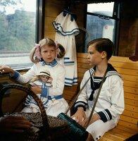 Die Bahnfahrt von Annemarie (Kathrin Toboll) und Klaus (Florian Baier) wird zu einem aufregenden Abenteuer.