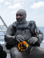 Paul de Gelder and Mike Tyson discusses their next dive with the sharks