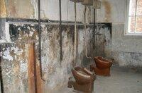 Waschraum im Block 10 in Auschwitz