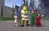Prinzessin Fiona (2.v.r.) soll von Shrek (2.v.l.) und dem sprechenden Esel (l.) gegen ihren Willen zu Lord Farquaad (r.) gebracht werden - der hat nämlich vor, die Schönheit zu heiraten ...