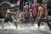 T'Challa / Black Panther (Chadwick Boseman, l.); Erik Killmonger (Michael B. Jordan, r.)