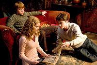 L-R: Ron Weasley (Rupert Grint), Hermione Granger (Emma Watson) und Harry Potter (Daniel Radcliffe)