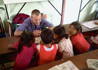 Kindertraum Zwei Banker auf Sinnsuche Marc Jenni im Kinderhilfswerk Child's Dream in Thailand