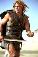 Seine Feinde fürchten ihn bereits, wenn sie seinem Namen hören: Halbgott Achilles (Brad Pitt) ...