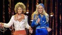 """""""Mamma Mia! Darum lieben alle ABBA"""" begibt sich auf eine musikalische Reise durch die Bandgeschichte und lässt legendäre Songs und Auftritte - auch im deutschen TV - wiederaufleben. Bild: Grand Prix 1974 im englischen Brighton. Abba-Sängerinnen Agnetha Fältskog und Anni-Frid """"Frida"""" Lyngstad. +++"""