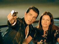 Mr. Miller (Erol Sander), Pat Wilson (Christine Neubauer).