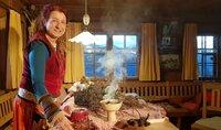 Ritualfrau Hertha Glück räuchert ab dem 21. Dezember in Haus, Garten und Stall.