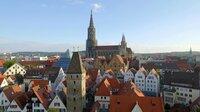 Das Ulmer Münster mit dem höchsten Kirchturm der Welt ist Wahrzeichen und Mittelpunkt der Stadt.
