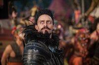 Um Nimmerland zu retten, muss das fantastische Land von der Herrschaft des finsteren Piraten Blackbeard (Hugh Jackman) befreit werden. Kann der mutige Waisenjunge Peter den Bewohnern helfen?