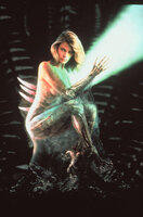 Die schöne Sil (Natasha Henstridge) wurde von Wissenschaftlern aus menschlichen Genen und außeridischem Erbgut 'geschaffen'.