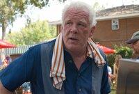 Weshalb will Hurley (Nick Nolte) seinem Schwiegersohn Parker helfen, den Vergnügungspark zu überfallen?