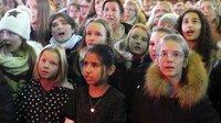 """Die jungen Sängerinnen und Sänger der """"Young ClassX"""" übernahmen selbstbewusst einen eigenen Part."""