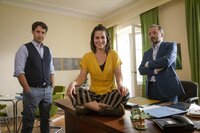 V.l.: Bartels (Kai Albrecht), Lucie (Cristina do Rego) und Gleim (Robert Schupp)