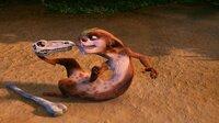 """""""Ice Age 3 - Die Dinosaurier sind los"""", Die Mammuts Manni und Ellie erwarten Nachwuchs. Als Faultier Sid in einer Höhle ein verlassenes Nest findet und aus den Eiern süße Babys schlüpfen, wähnt auch er sich im Familienglück. Prompt wird er jedoch von der wütenden Tyrannosaurus Rex-Mama in eine unterirdische Welt verschleppt, wo noch die Giganten der Urzeit herrschen. Jetzt kann Sid nur noch auf die Hilfe seiner Freunde hoffen. Aber auch das durchgeknallte Wiesel Buck führt dort furchtlos den schier aussichtslosen Kampf gegen die Saurier.  SENDUNG: ORF eins - SO - 30.12.2012 - 20:15 UHR. - Veroeffentlichung fuer Pressezwecke honorarfrei ausschliesslich im Zusammenhang mit oben genannter Sendung oder Veranstaltung des ORF bei Urhebernennung.  Foto: ORF/RTL/Fox.  Anderweitige Verwendung honorarpflichtig und nur nach schriftlicher Genehmigung der ORF-Fotoredaktion.  Copyright: ORF, Wuerzburggasse 30, A-1136 Wien, Tel. +43-(0)1-87878-13606"""