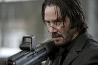 John Wick (Keanu Reeves) eilt ein Ruf voraus, der alle bösen Buben schon bei der Erwähnung seines Namens angst und bange werden lässt. Für den Totschläger seines Hundes und Dieb seines Autos verheißt das nichts Gutes ...