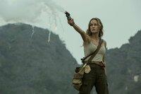 Mason Weaver (Brie Larson)