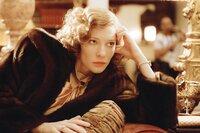Katherine Hepburn (Cate Blanchett)