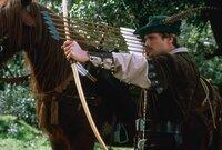Robin Hood (Cary Elwes) möchte Prinz John bekämpfen, damit das englische Volk nicht mehr von ihm unterdrückt wird.
