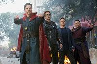 Avengers: Infinity War Benedict Cumberbatch als Dr. Strange, Robert Downey Jr. als Tony Stark/Iron Man, Mark Ruffalo als Bruce Banner/Hulk, Benedict Wong als Wong SRF/2018 MARVEL
