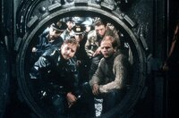 Eine U-Boot-Besatzung wird zum legendären Stab des erfolgreichsten deutschen Film aller Zeiten. Doch er stand unter keinem guten Stern ...