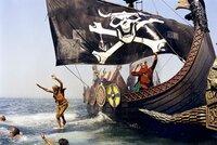 Die Piraten geben ihr Schiff schon auf, wenn sie in der Ferne eine ganz bestimmte gallische Galeere entdecken.
