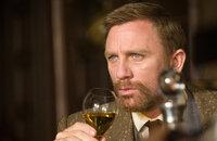 Lord Asriel (Daniel Craig) untersucht geheimnisvollen Staub und eine Phantom-Stadt im hohen Norden das Polarkreises ...