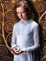 Kämpft in einem Paralleluniversum gegen das personifizierte Böse: Lyra Belacqua (Dakota Blue Richards) ...