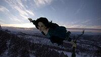 Die Hexe Serafina Pekkala (Eva Green), kommt einem Mädchen zu Hilfe, dass die Macht haben könnte, das Schicksal der Welt zu verändern ...