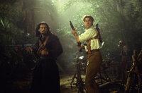 Kämpfen gemeinsam gegen den König der Skorpione: Ardeth Bay (Oded Fehr, l.) und Rick O'Connell (Brendan Fraser, r.) ...