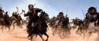 Im Kampf gegen die Mumie: Ardeth Bay (Oded Fehr, vorne) ...