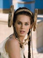 Prinzessin Irina (Vanessa Hessler) verliebt sich in den Gallier Romantix, ist jedoch Brutus, dem Adoptivsohn Caesars, versprochen. Die Olympischen Spiele sollen den Zwist beenden, der Sieger soll mit Irina vermählt werden ...