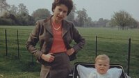Picture shows_The Queen with Prince Andrew 1960