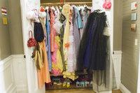 27 Kleider für 27 Hochzeiten - nur leider war keine davon Janes eigene Hochzeit ...