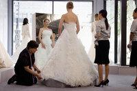 Und aus der ewigen Brautjungfer wird die wunderschöne Braut Jane (Katherine Heigl, M.) - oder etwa doch nicht?