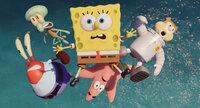 Der Krabbenburger-Mangel treibt ganz Bikini Bottom in den Wahnsinn. Gelingt es Spongebob (M.), Mr. Krabs (l.), Thaddäus (2.v.l.), Sandy Cheeks (r.) und Patrick (unten) nicht, die Geheimformel zurückzuerobern, bedeutet das den Weltuntergang für die Unterwasserstadt ...